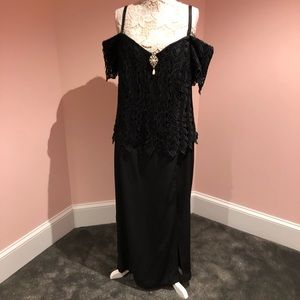 Gorgeous vintage off shoulder dress